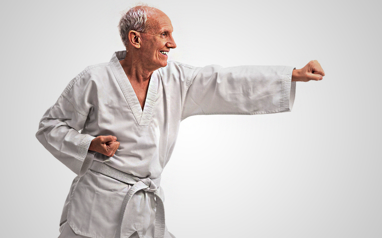 Atividade para idosos: cuidados e benefícios das artes marciais
