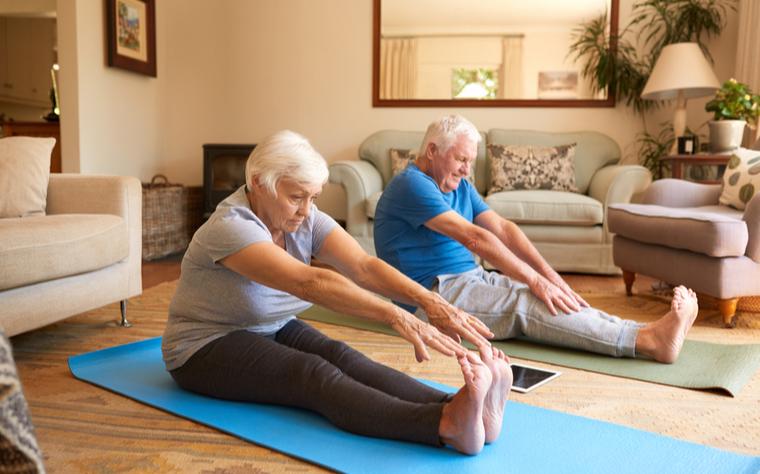 Artrose: 5 exercícios físicos que podem ser feitos em casa