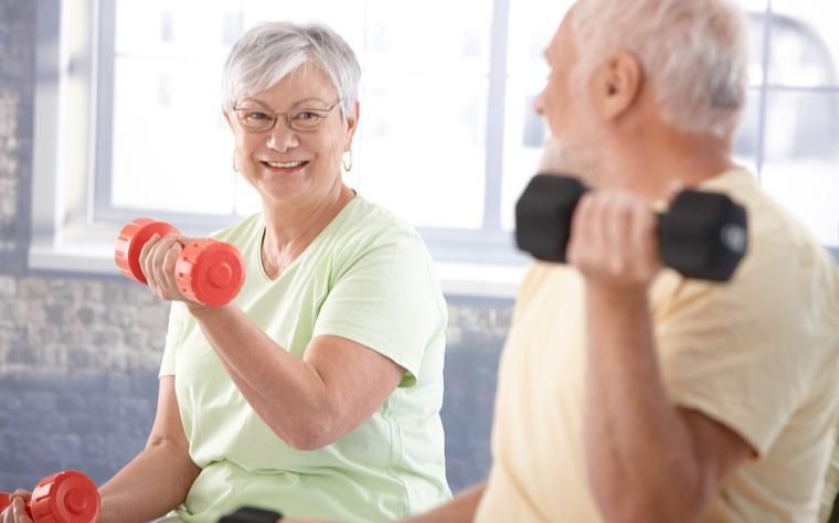 Musculação para idosos: quais os benefícios e como otimizar os resultados?