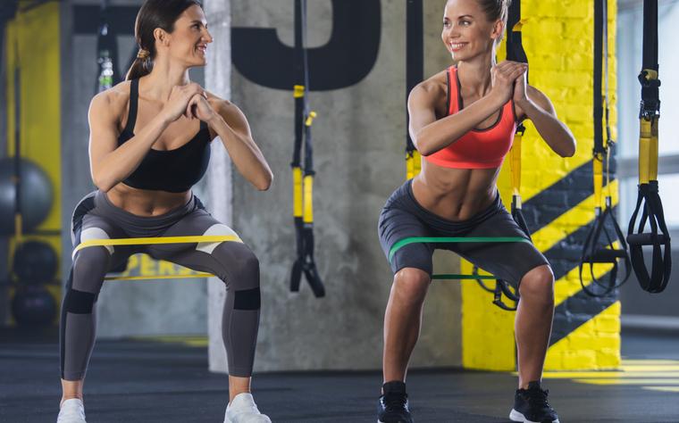 11 Exercícios Funcionais com faixa elástica para mudar suas aulas