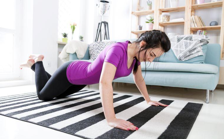 Exercícios físicos na quarentena: entenda a importância da prática
