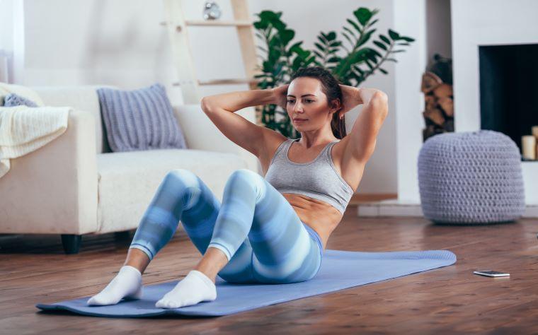 Exercícios para quarentena: treine mesmo em dias de home office