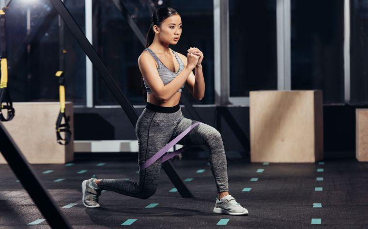7 passos para criar exercícios com faixa elástica no Treinamento Funcional