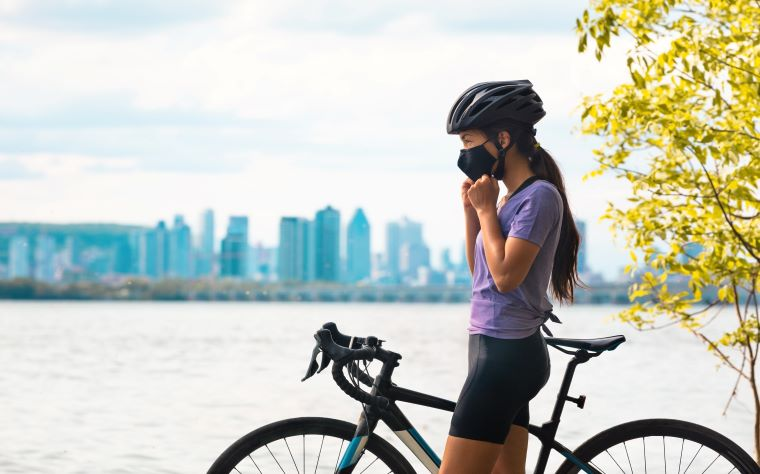 É possível praticar exercícios físicos de máscara sem prejuízos à saúde?