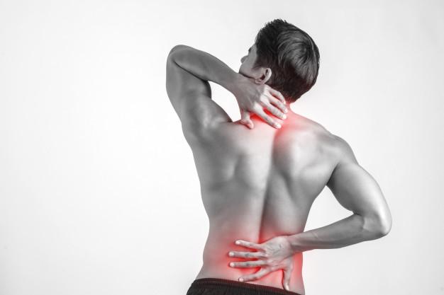homem-dor-nas-costas-hernia-de-disco