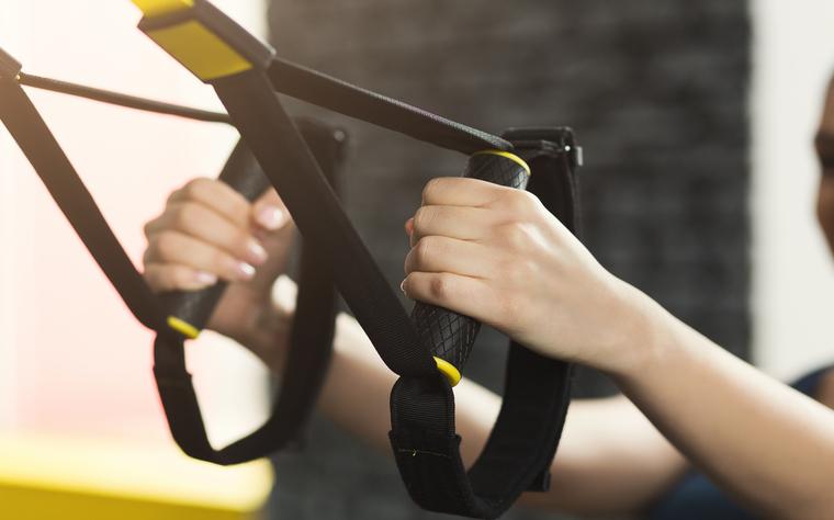 Conheça 30 exercícios na Fita de Suspensão para suas aulas de Treinamento Funcional