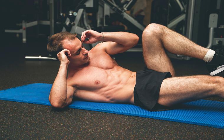 Conheça os 10 principais tipos de abdominais que não podem faltar no seu treino